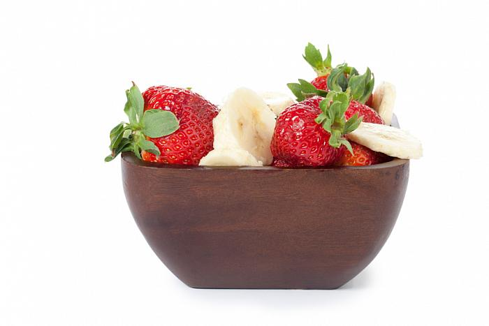 kozzi-strawberries and banana slices-883x588